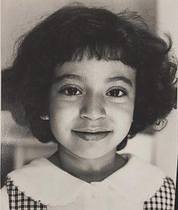 Portrait d'une jeune Rihab en 1997 prise par son père Abderrahman Essayh.